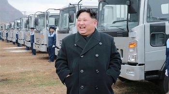 Bên trong nhà máy ô tô hoành tráng của Triều Tiên