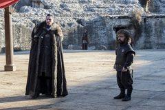 Bị khởi tố vì xem trộm Game of Thrones chưa ra rạp