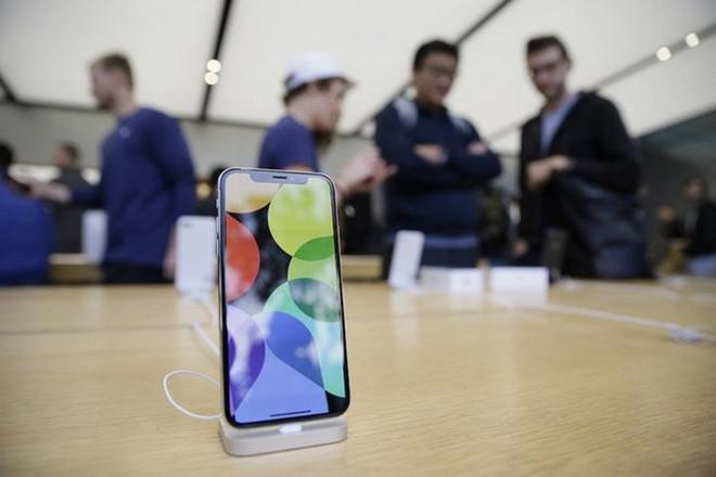 Foxconn tuyển dụng trái phép học sinh để sản xuất iPhone X