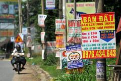 Cắm biển khuyến cáo không mua bán đất quanh sân bay Long Thành