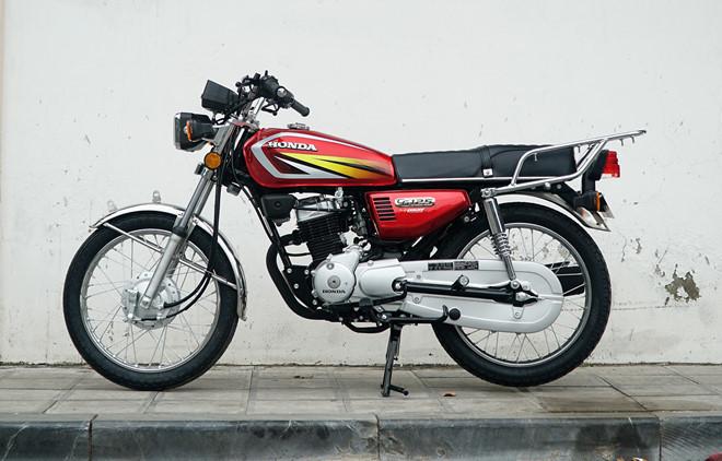 4 mẫu môtô hoài cổ giá dưới 50 triệu đồng tại Việt Nam