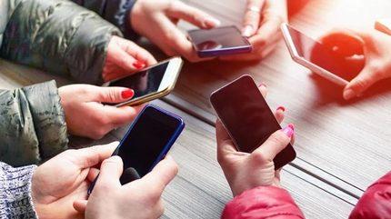 9/10 người dùng tuyên bố không lên đời smartphone dịp lễ Tết