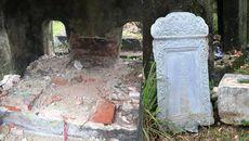 Lăng mộ mẹ vua Dục Đức bị đào phá để tìm kho báu?