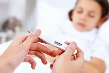 Cảnh báo cha mẹ: Hàng loạt trẻ nhập viện vì bệnh sốt rét