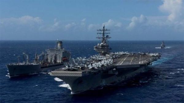 Máy bay Mỹ chở 11 người rơi ngoài khơi Nhật