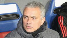 """MU chưa thể lấy vé C1, Mourinho trách toàn đội """"ăn hại"""""""