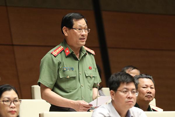 mạng xã hội,luật an ninh mạng,máy chủ,Nguyễn Thị Kim Thúy,Nguyễn Hữu Cầu