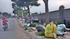 TP.HCM: Người dân 20 năm đeo khẩu trang trong nhà vì sống cạnh bãi rác