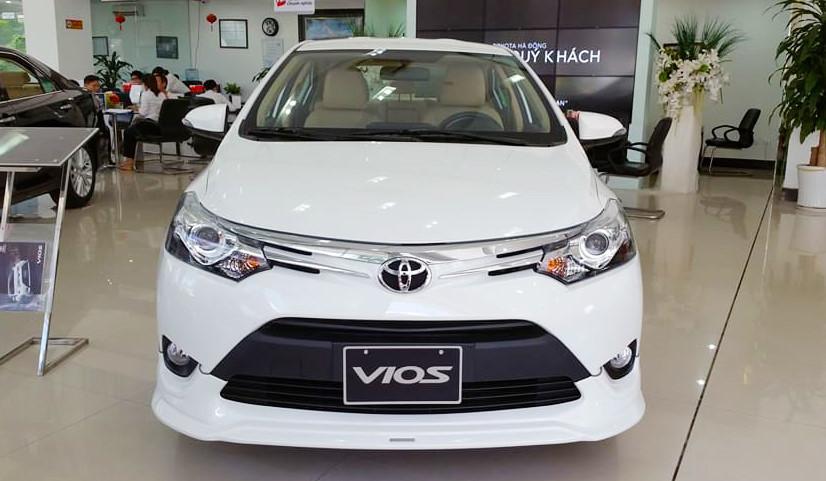 Toyota Camry,ô tô giảm giá,ô tô Toyota,ô tô Nhật,giá ô tô,xe lắp ráp trong nước