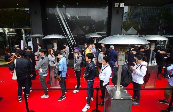 Apple bị chính quyền Hàn Quốc dằn mặt trước ngày iPhone X lên kệ