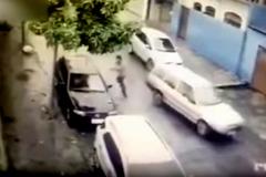 Cướp ô tô ngồi vào ghế lái bị chủ xe bắn gục