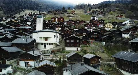 Làng Thụy Sĩ đẹp như mơ tặng tiền tỷ dụ người tới sống