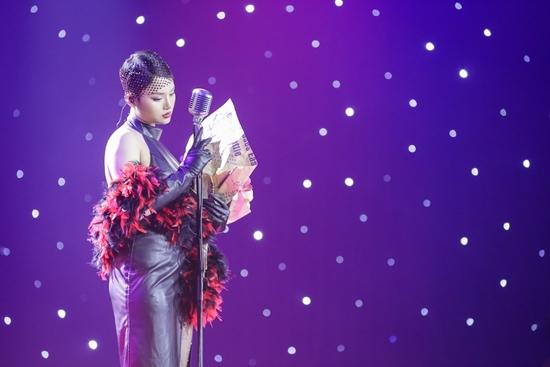 Nhạc sĩ Việt tự nhận 'đẳng cấp thế giới' đập bàn, cãi vã trên truyền hình