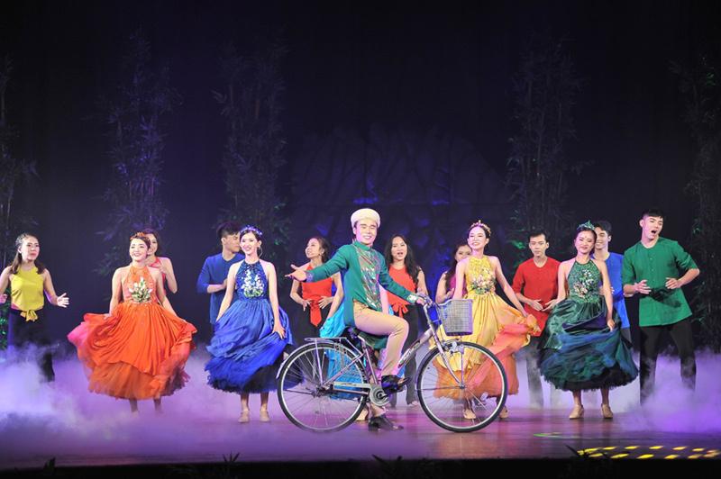 Nhạc kịch 'Chuyện tình nàng Giáng Hương' khiến khán giả xúc động