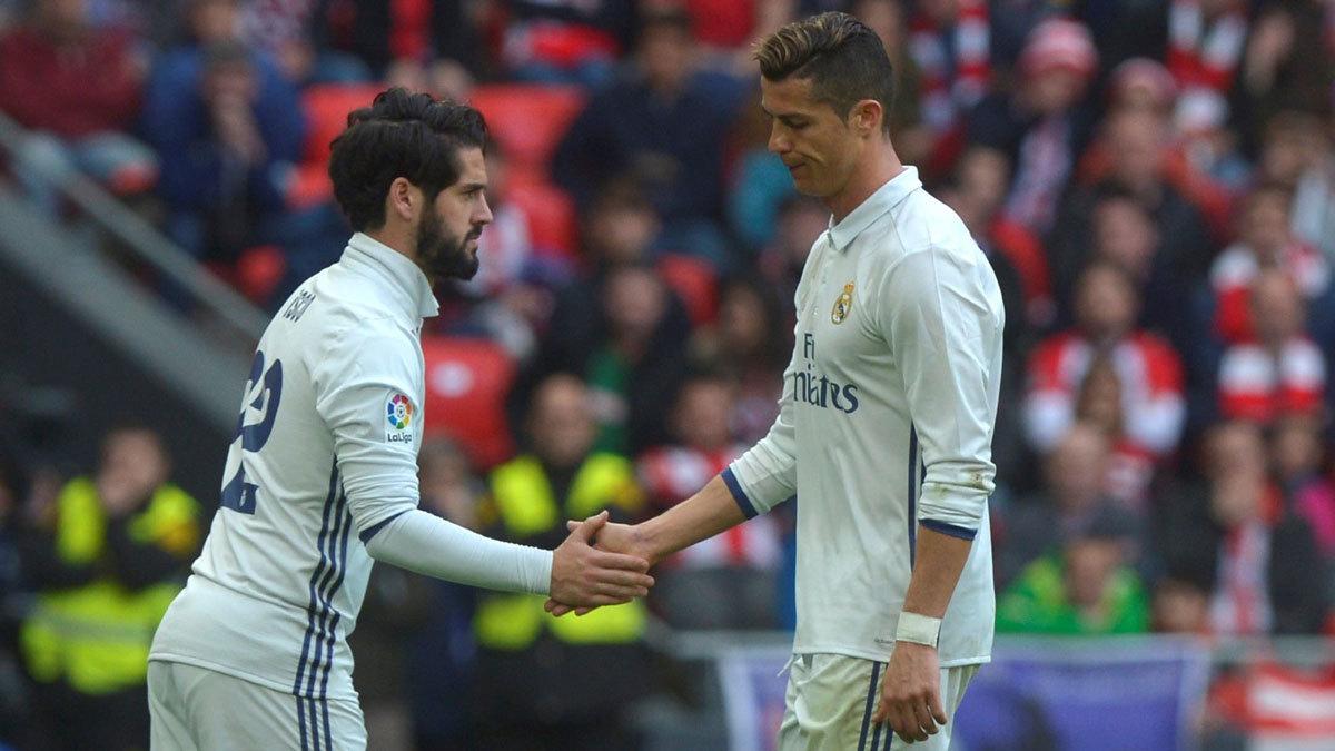 Ronaldo gọi Isco là 'táo thối', Barca khó vụ Griezmann
