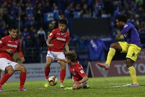 Than Quảng Ninh 0-1 Hà Nội: Oseni mở tỷ số phút 17
