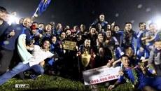 """Hà Nội hòa """"điên rồ"""" với Quảng Ninh, Quảng Nam vô địch V-League 2017"""
