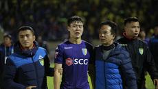 Mất cúp vô địch, cầu thủ Hà Nội khóc nức nở
