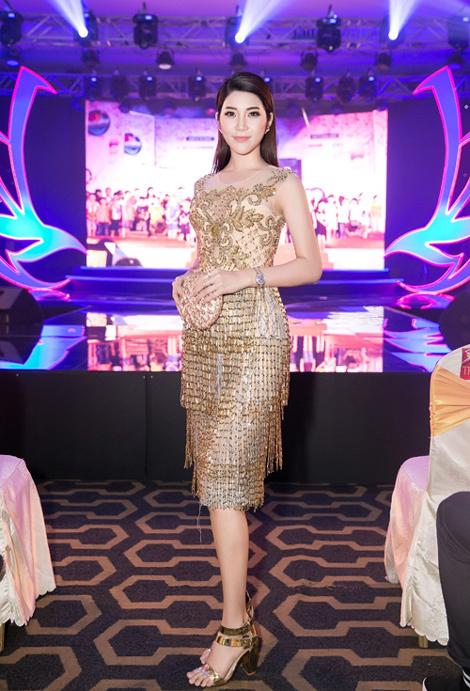 Yan My sánh đôi Minh Anh dự sự kiện