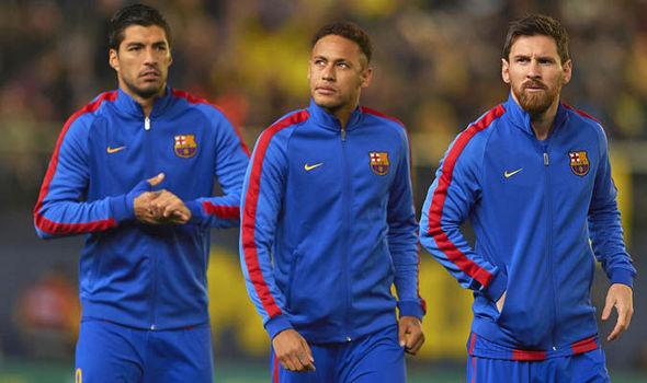Mourinho khó xử Pogba, Messi phũ Neymar