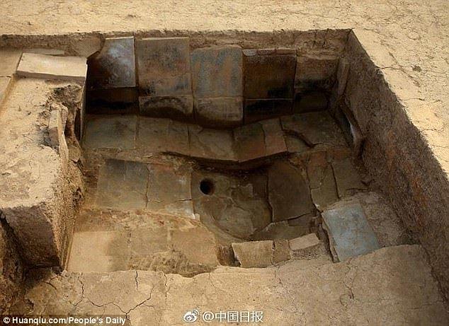 cung điện,hoàng đế,Tần Thủy Hoàng,phòng tắm