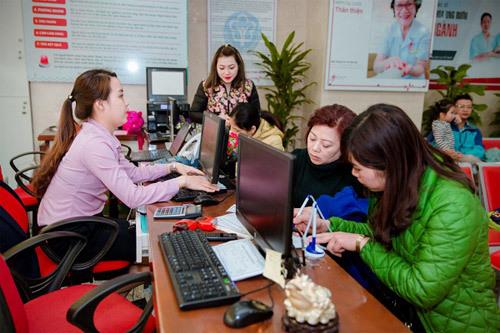 Khám sàng lọc ung thư tuyến giáp cho giáo viên Hà Nội