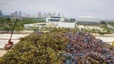 Đua nhau cạnh tranh, hàng vạn xe đạp bị vứt cao như núi