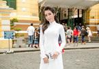 Gái 2 con Elly Trần diện áo dài trắng gây thương nhớ