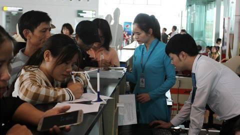 Thẻ Đảng, thẻ nhà báo không được làm thủ tục hàng không: Lỗi đánh máy