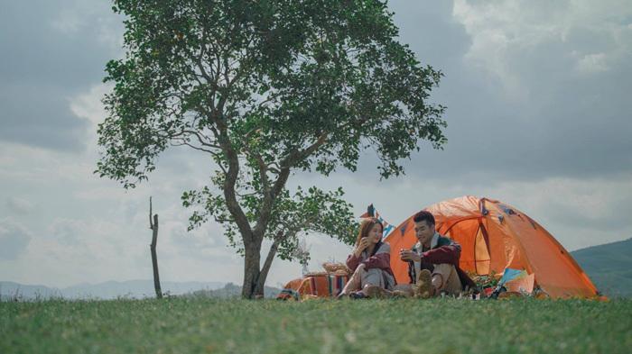 Chuyện tình lãng mạn của Tạ Quang Thắng khi gió đông về