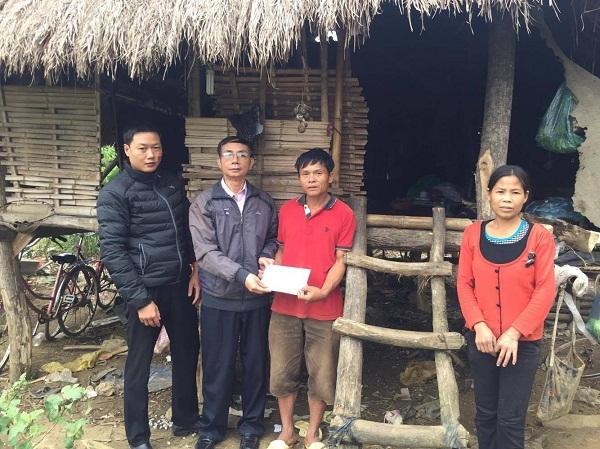 Nhân ái từ thiện,trao tiền nhân ái,đồng bào vùng lũ,lũ lụt