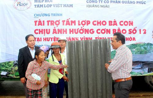 5000 tấm lợp giúp dân Khánh Hòa khắc phục sau bão