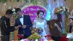 Hai họ chen chúc tặng vàng trong đám cưới ở Thanh Hóa