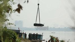 Đưa quả bom từ chân cầu Long Biên về quân cảng