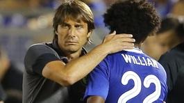 Ibrahimovic lên bàn phẫu thuật, Conte thách Willian đến MU