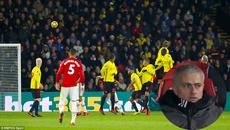 Mourinho há hốc mồm với siêu phẩm đá phạt của Ashley Young