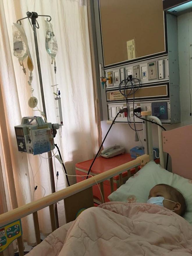 Tâm sự xúc động mẹ dành cho con gái 5 tuổi bị ung thư máu