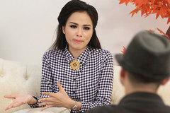Hoa hậu Diễm Hương mặc đồ ngủ chạy thoát thân vì cháy nhà giữa đêm