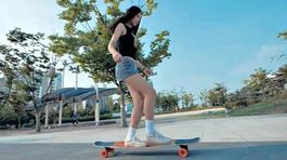 Hotgirl xinh đẹp trượt ván cực điệu nghệ