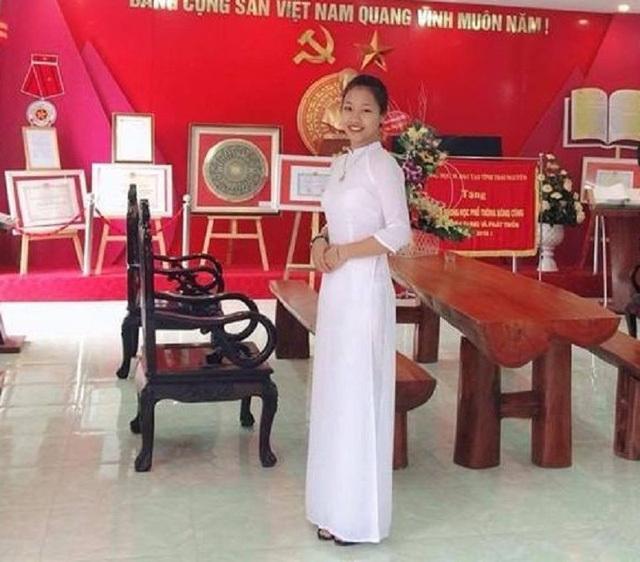 Nữ sinh Thái Nguyên hát 'Sóng' của Xuân Quỳnh trong giờ học Văn
