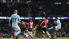 Sterling ghi bàn phút 96, Man City thắng siêu kịch tính