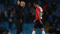 Guardiola hùng hổ lao vào sân mắng cầu thủ Southampton