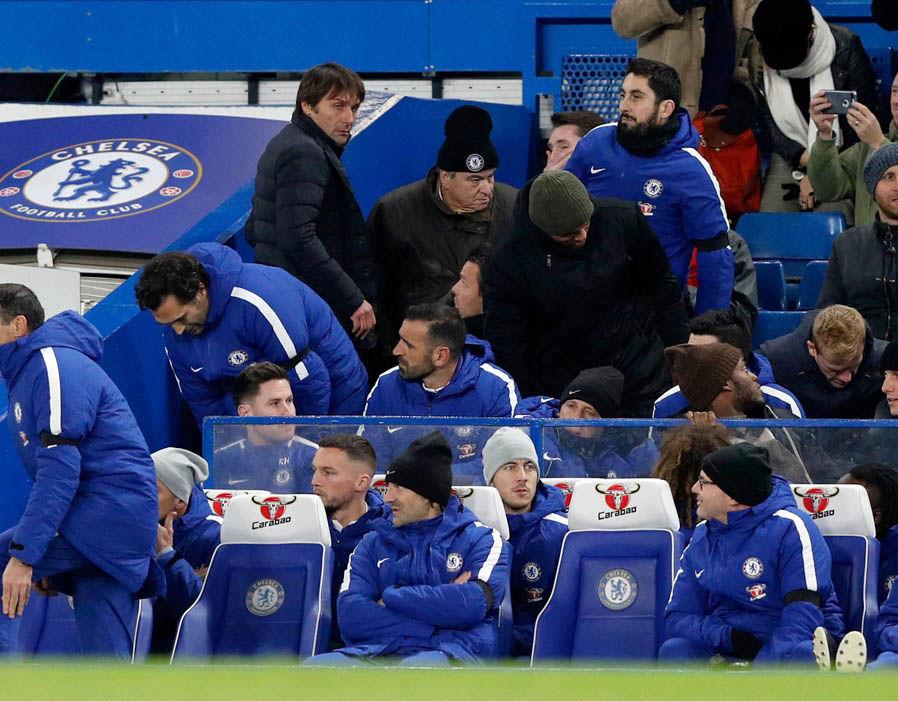 Conte bị đuổi, vẫn tranh thủ chọc ngoáy Pep Guardiola