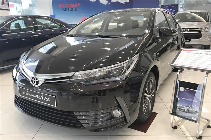 Toyota 1 tháng 2 lần giảm giá: Ô tô Nhật xuống đáy mùa tết