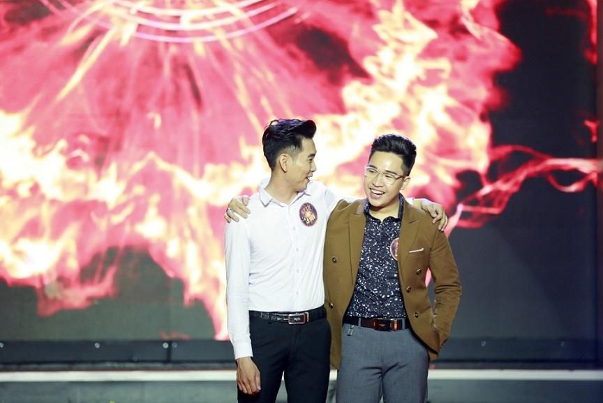 Sửng sốt trước màn cưa người của ảo thuật gia 17 tuổi trên truyền hình Việt