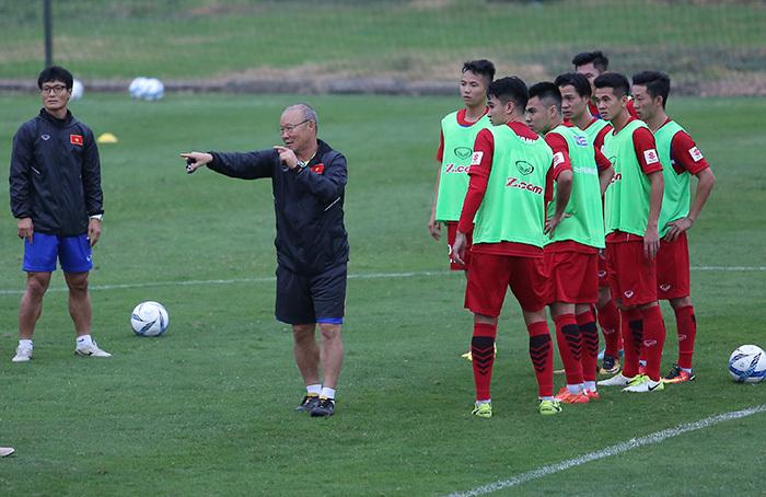 Trợ lý xin rút, HLVParkHang Seo gặp khó với U23 Việt Nam