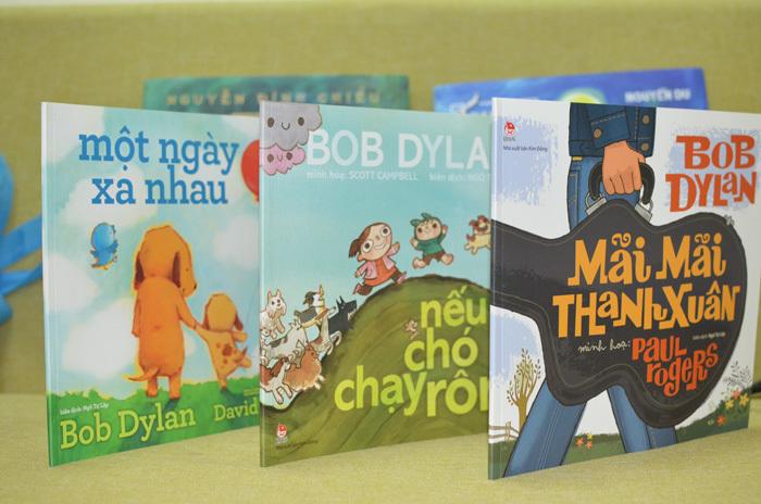 3 ca khúc nổi tiếng của Bob Dylan được viết thành sách tranh
