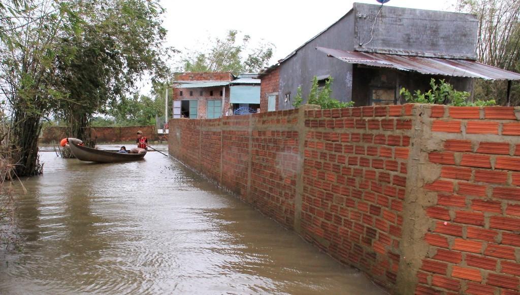 xả lũ,hồ thủy lợi,lũ lụt bình định