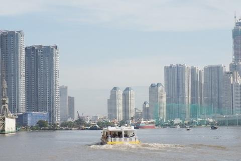 Người dân nói gì về buýt sông đầu tiên ở Sài Gòn