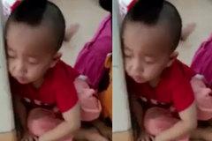 Em bé đang ngủ gật ngon lành thị cô giáo troll